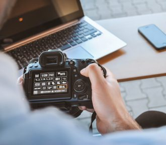 """10 Rules for Writing """"About Me"""" Pages for Photographers"""